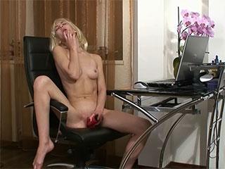 L'orgasme russe d'adolescent bu.